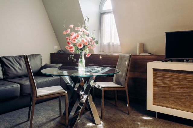 Promotions and special offers uno design hotel for Design hotel odessa